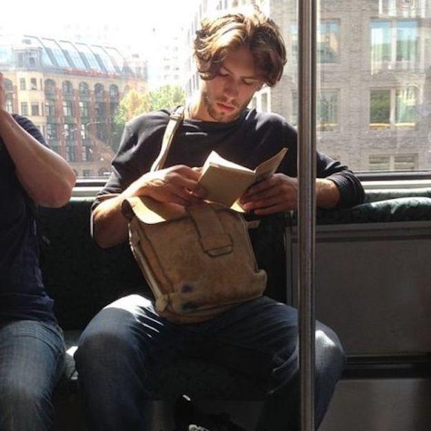 men reading zozhnik 3