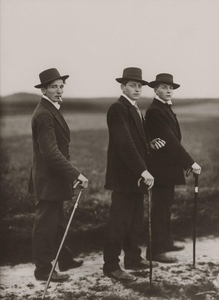 Три молодых крестьянина напрявляются на танцы, 1914 год, Вестервальд, Германия