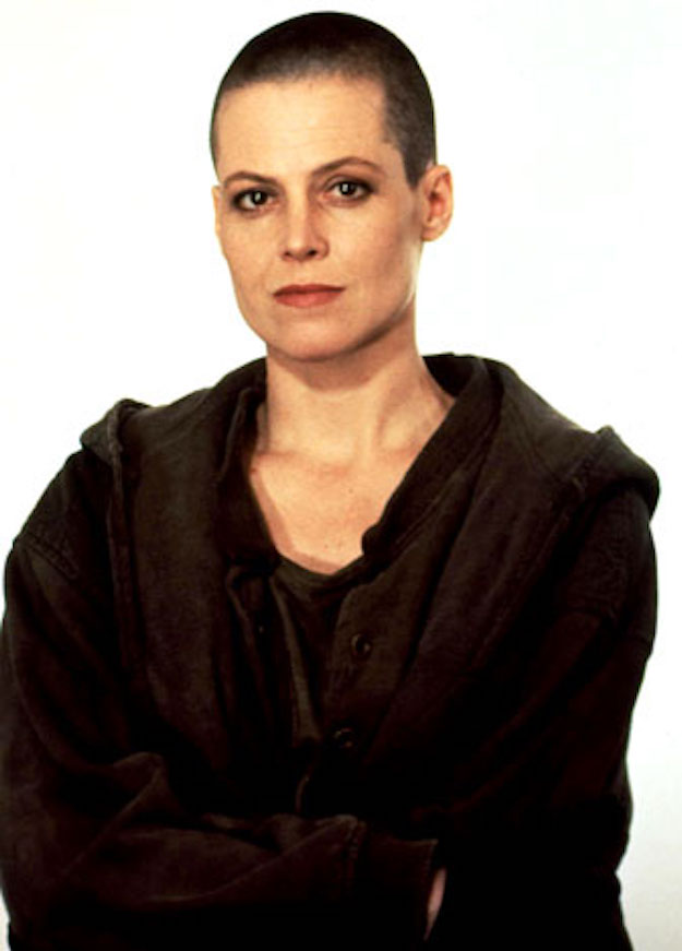 2011-08-08-17-24-55-5-actress-sigourney-weaver-had-a-shaved-head-for-her