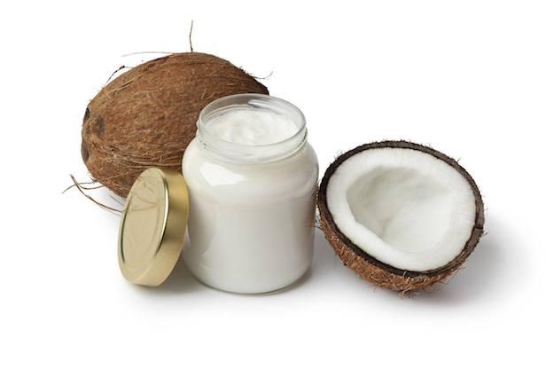 http://zozhnik.ru/wp-content/uploads/2017/10/coconut-oil-coconuts.jpg