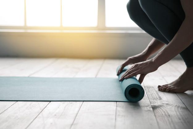 Как выбрать и где купить коврик для йоги